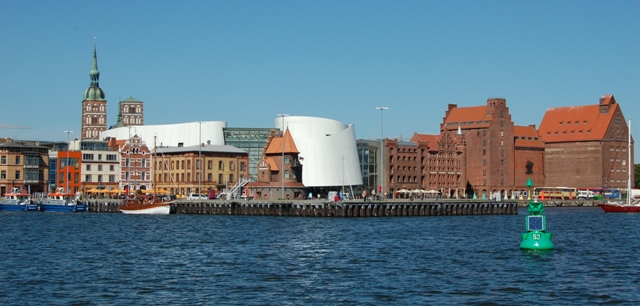 Northern harbour island with OZEANEUM