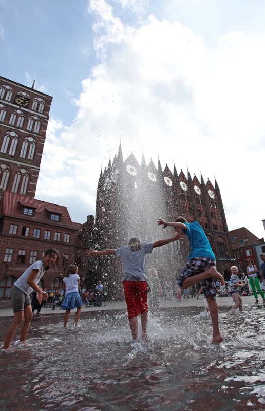 Water game on Old Market square